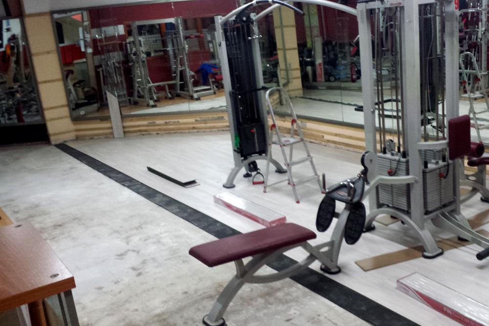 Instalación Parquet En Gimnasio Viladecans